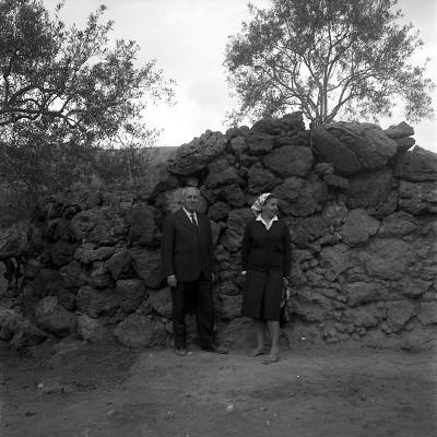 Luigi Bernabò Brea con la moglie © Regione Siciliana Soprintendenza SR (Small)