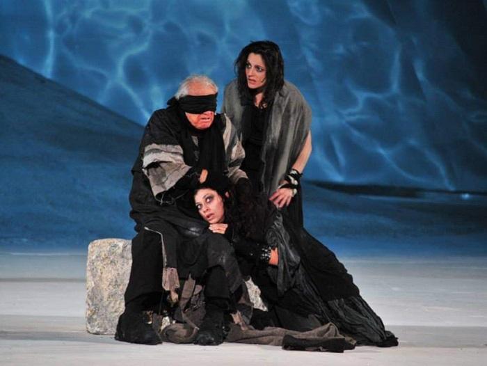 In scena con Giorgio Albertazzi per Edipo a Colono 2009 2